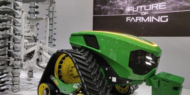 Fraunhofer IESE - AGRITECHNICA 2019 - Autonomer Traktor