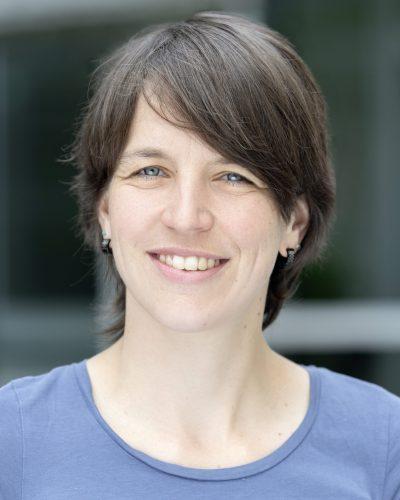 Dr. Julia Osten